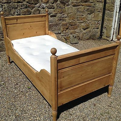Gorgeous Victorian Pine Single Bed with Memory Foam Mattress