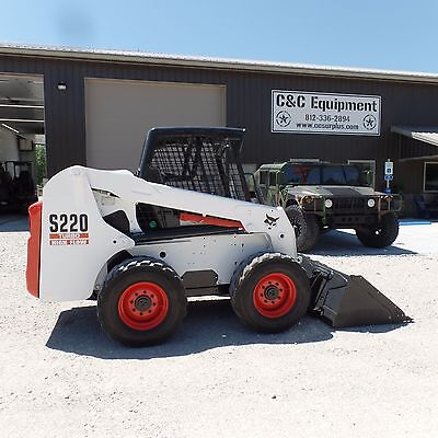 2004 Bobcat S-220 Skid Steer Loader Turbo Diesel Kubota Super Nice!!