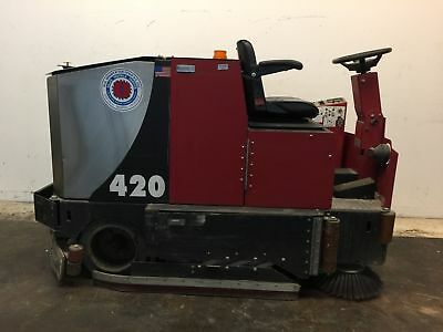 Factory Cat 420 Ride On Floor Scrubber