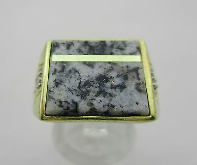 9ct Gold Gents Signet Ring with Granite & Diamond. 6.7 grams. Size S