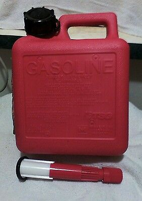 """WOW-NEW MIDWEST Gas Can with spill proof system 1.4 Gallon"