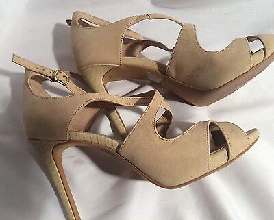 💖Vince Camuto  Leather Strappy Open-Toe High Heeled Sandals Size 7.5 M