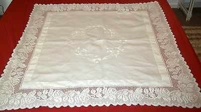 Vintage Whitework Irish Linen Floral Embroidered Tea Table Cloth Rose Crochet.