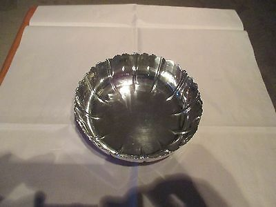 A VERY FUNCTIONAL SOLID SILVER BOWL London 1943 - 187 grams