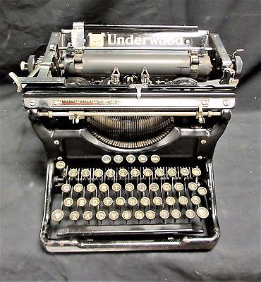 Antique 1930s Underwood No 6  10 Manual Typewriter - Excellent