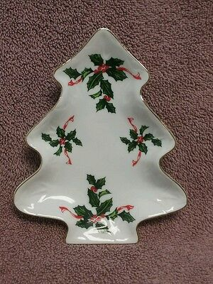 Lefton ~ Candy Dish ~ Christmas Tree ~ Holly with Gold Trim