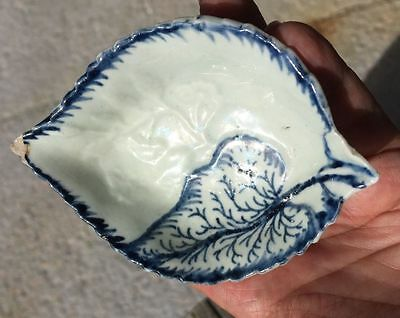 Pennington Liverpool moulded leaf dish, 1770 small chip on tip