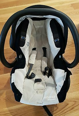 Maxi Cosi Air Protect Capsule with adaptors