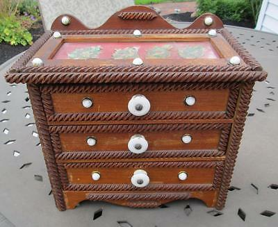AMERICAN Tramp Art miniature 3-drawer chest w/ white porcelain knob pull accent