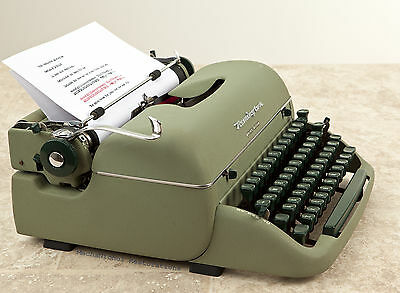 Refurbished 1956 Remington Quiet Riter Typewriter Near Mint Condition w/case