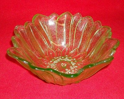 Indiana Glass Green Bowl Lily Pons (6377)