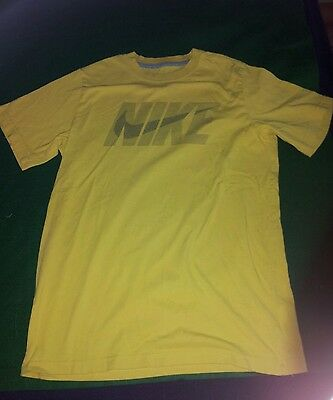 boys yellow 'Nike' short sleeve graphic t-shirt size L