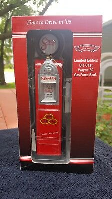State Farm Insurance Wayne 60 Gas Pump Bank Die Cast Replica 1:12 New in box!
