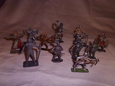 Vintage plastic toy soldiers 1/32 large lot of medievial knights