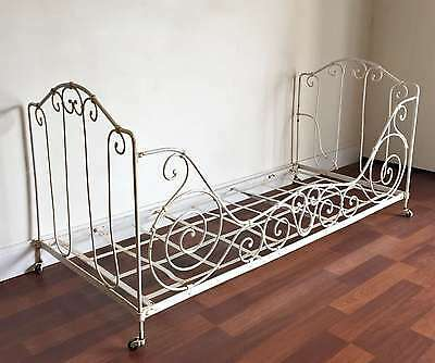 An Original Antique French Wrought Iron Day Bed - TM187