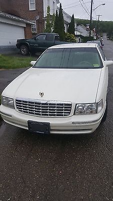 1998 Cadillac DeVille  1998 CADILLAC DEVILLE MINT ONE OWNER