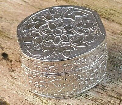 Vintage Solid Silver Oval Sunflower Tulip Engraved Floral Pill Box