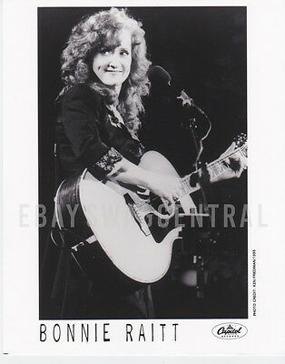 BONNIE RAITT Original LTD 8x10 Publicity Press Kit Photo Rare Portrait