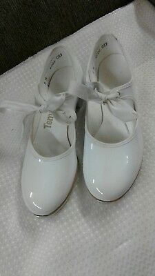 Tempo by Leo's, Girls Tap Dance Shoes, white Patent w/Bow, Size 5