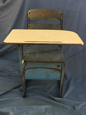 Collectible Vintage Metal And Wood School Desk Envoy American Seating Co USA