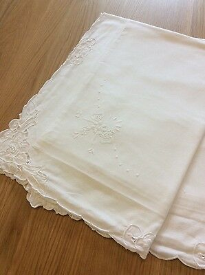 Lovely Vintage White Cotton Pillowcases. embroidery/cutwork design. VGC