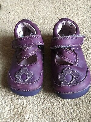 Clarks Girls Purple Leather Shoes  UK Size Infant First Shoes UK 3.5 F EU 19 M