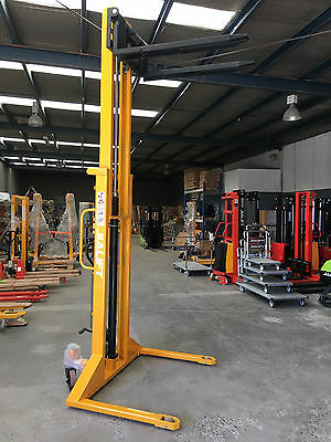 Brand New Lift height 3100mm Capacity 1.0T Straddle Leg Manual Stacker/Lifter