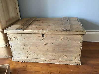 Antique Pine Chest/trunk Original Carpenters Box With Removable Compartents