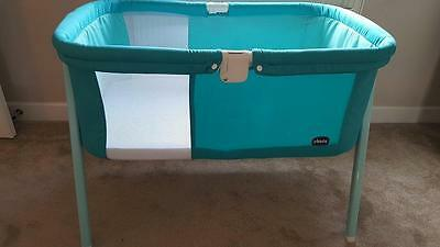 Chicco Lullago Crib Travel Cot includes 2 fitted sheets