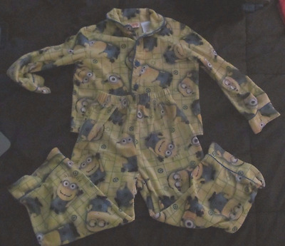 Despicable Me 2 Boys Pajamas Size 4/5 Long Sleeve Minions