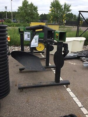 John deere spring reset complete bottom moldboard plow with coulter.