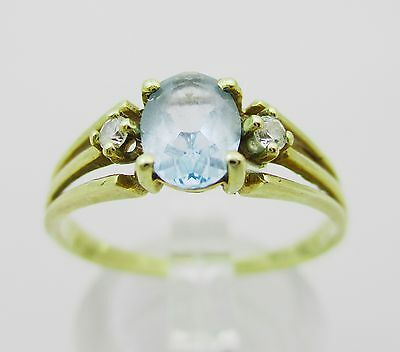 9ct Gold And Pretty Blue Gem & CZ Ring. Size Q