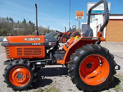 Kubota L2500 compact tractor, 4WD, 328 hours, 27 HP, Excellent