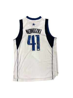 30ec3dbf7 DIRK NOWITZKI SIGNED Nike Dallas Mavericks Blue Swingman Jersey ...