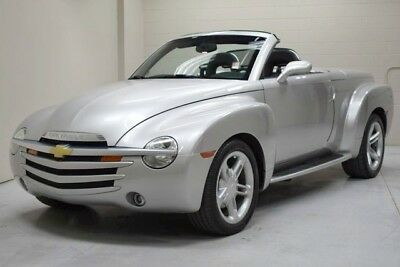 2005 Chevrolet SSR Base Convertible 2-Door 2005 Chevy SSR 6.0 liter 6 speed manual trans one owner accident free CarFax