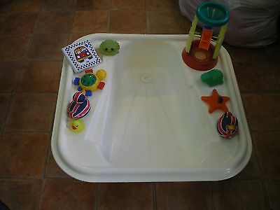 Baby bath tub and water's toys