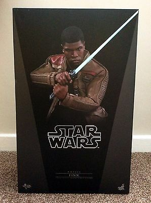 Complete Hot Toys Star Wars The Force Awakens Finn 1/6 Scale Figure