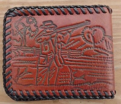 Vtg PHEASANT HUNTING SCENE Bi Fold Tooled Leather Wallet Shooting At Bird W/ Dog