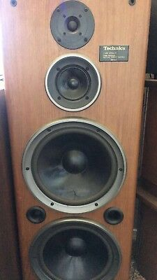 TWO Vintage Rare Technics 3-Way MultiEffect Dual Sub Tower Speakers SB-A53