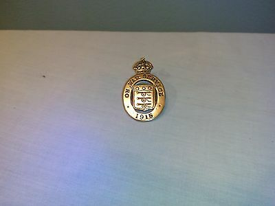 WW1 1915 ON WAR SERVICE Brass Lapel Badge Very Low Number 5742