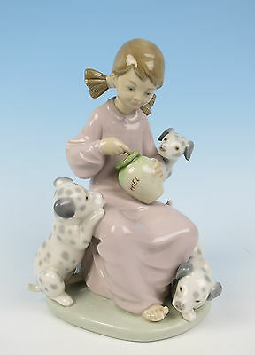 Lladro HONEY LICKERS Figurine #2075 Dalmatian Puppy Dog MINT Porcelain Retired