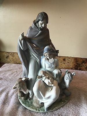 "Stunning Lladro #6008 ""Joyful Event"" Christmas Sculpture/ Excellent"