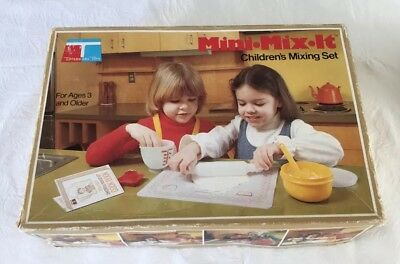 Vintage Tupperware Toys Mini Mix It Children's Mixing Set