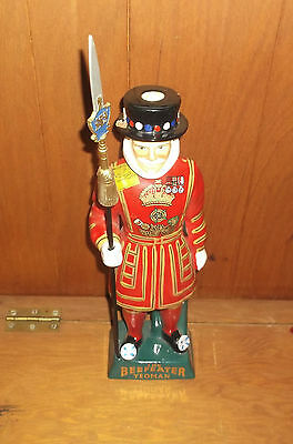 Vintage BEEFEATER Dry Gin YEOMAN Guard Figural Decanter Carlton Ware Bar DISPLAY