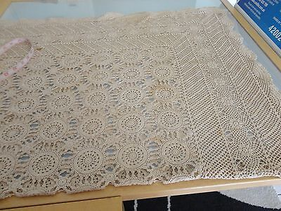 VINTAGE ecru CROCHET LACE TABLECLOTH  MEDALLIONS CRAFT CUTTER