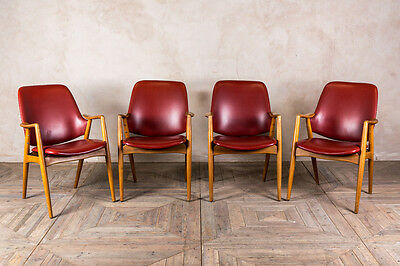 Red Vintage Leather Look Chair Upholstered Cafe Meeting Armchair Wooden Legs