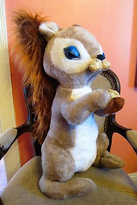 """Vinatge 24"""" FABLE TOY CO. SQUIRREL PLUSH Rubber Eyes Holding Nut TALL"""