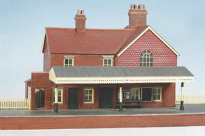 Wills Peco BRICK STYLE Country Station with platform CK16 Model Train OO / HO