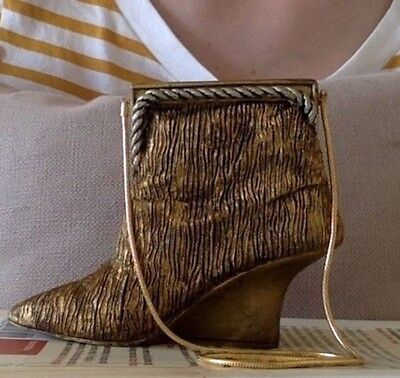 Just The Right Shoe - Musical shoe (All that Glitters - Puttin' on the Ritz)