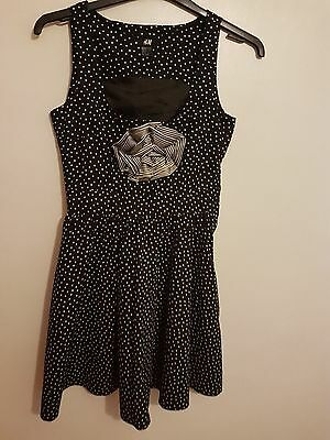 Ref 372- H&M- Ladies Womens Girls Black & White Spotted Sleeveless Dress Size 10